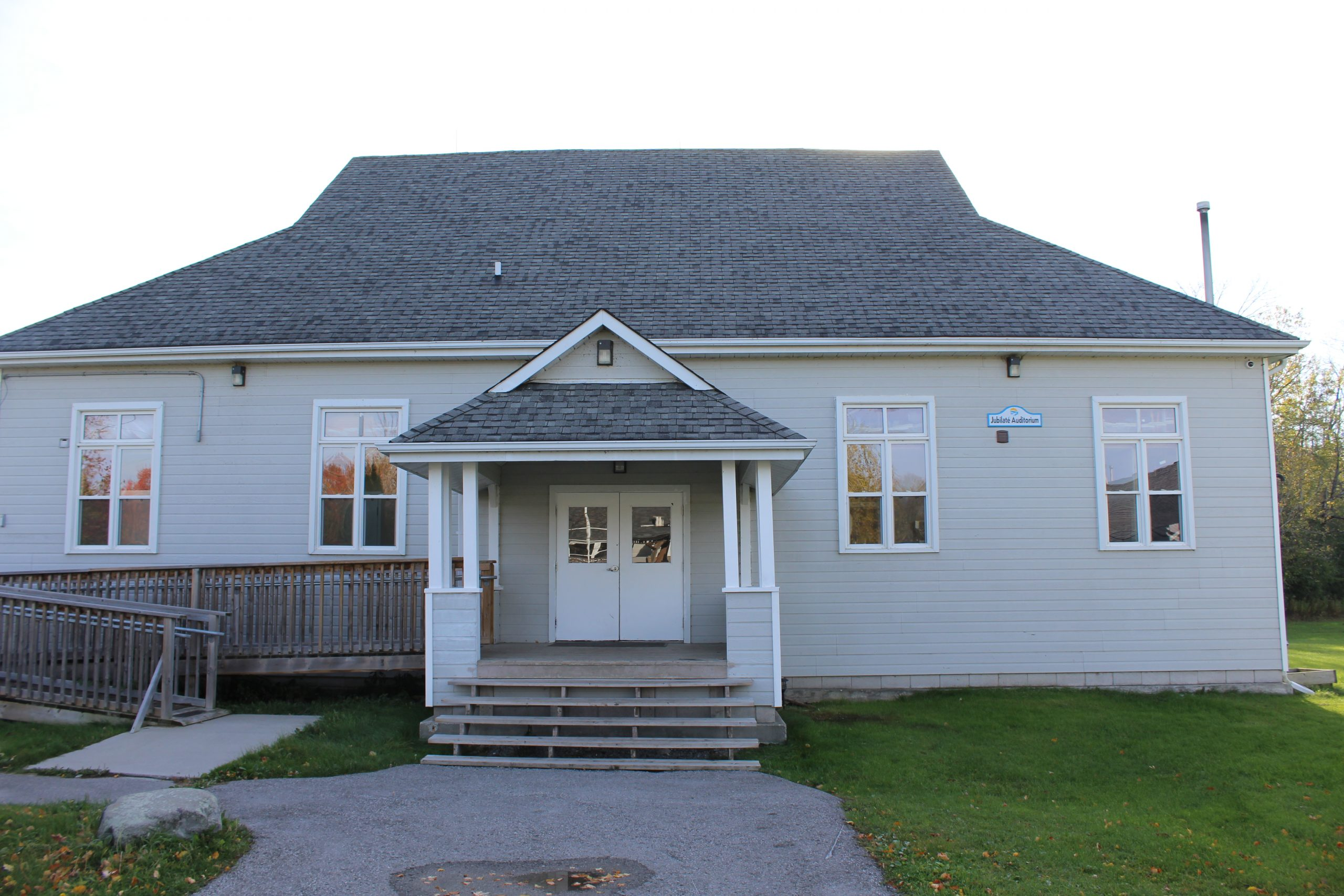 Jubilate Lodge Exterior